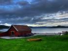 Bootshaus in Norwegen -- Am Fjord in Norwegen (Helgoy)