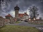 IMG 9648 final -- Die Burg Hněvín (deutsch: Landeswarte), nahe der Stadt Most (Brüx) in Tschechien.